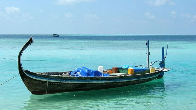 Dhoni auf den Malediven